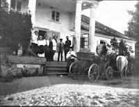 Czombrów - przed dworem 1919 Fot. polesie.org