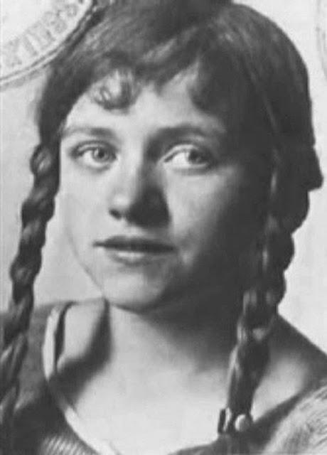 Hanna Reitsch worldwartwo.filminspector.com