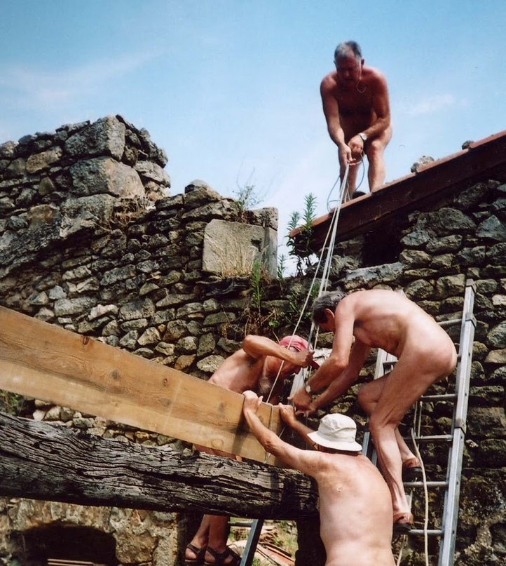 masculine-nude-construction-workers-mom