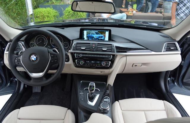 2017 BMW 330i Automatic Interior