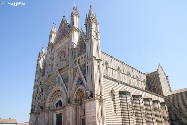 La cattedrale dedicata a Santa Maria Assunta è uno dei simboli di Orvieto