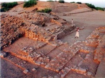 UNESCO ने सिंधु घाटी के पांच विशाल नगरों में एक गुजरात के Dholavira को विश्व धरोहर की सूची में शामिल तो किया, लेकिन ये रहस्य अबतक नहीं सुलझा, आर्कियोलोजिस्ट दुनिया का साइनबोर्ड मानते हैं इसे