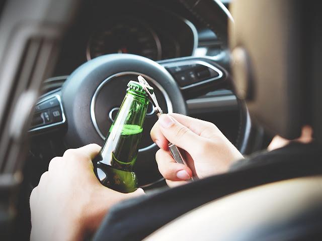 43-por-ciento-conductores-espanoles-ademite-haber-conducido-despues-beber-alcohol-pixabay