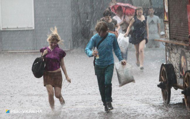 Спека в Україні послабиться, скрізь будуть дощі: прогноз погоди на вихідні