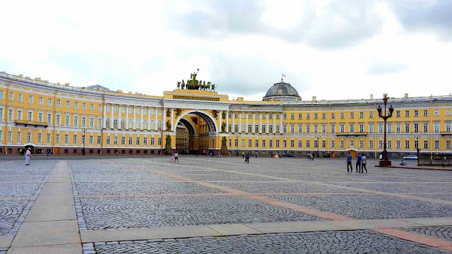 The Palace Square, St. Petersburg, Russia