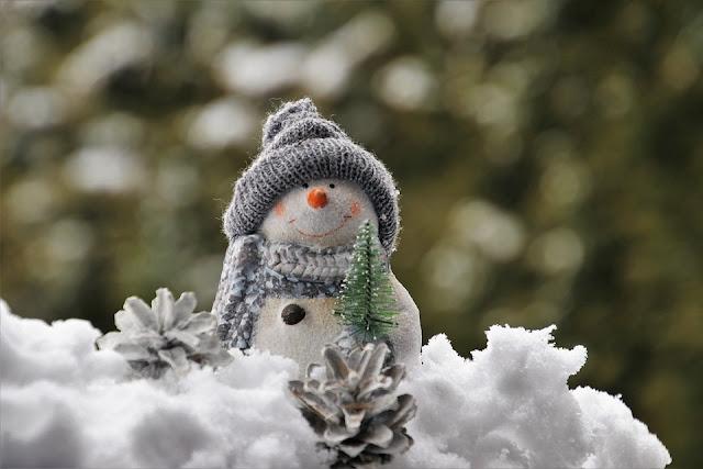 niesłodkie świeta, prezenty, dzieci, zima, bałwan, święta bożego narodzenia, śnieg, pierwsza gwiazdka, słodycze