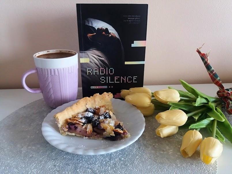 """Jedna z najpiękniejszych młodzieżówek: """"Radio Silence"""" - Alice Oseman"""