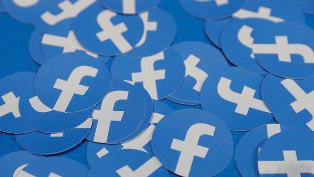 Facebook remove rede de contas falsas relacionada ao PSL e a gabinetes da família Bolsonaro