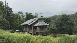المتمردون الذين أغلقوا أكثر من 100 كنيسة في بورما يسمحون بفتح 51 منها