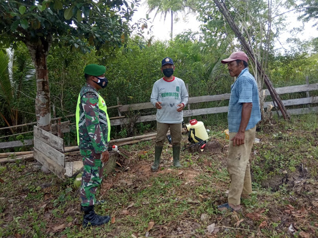 Babinsa Desa Harapan Jaya Sosialisasikan PPKM Mikro Kepada Warga Binaan