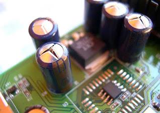 Фото конденсаторов (вздутых)