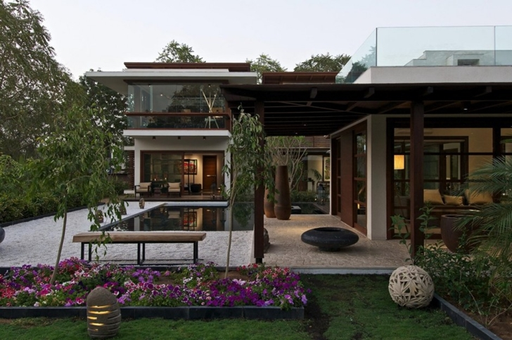Courtyard Home by Hiren Patel Architects