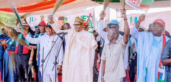 Ina son Buhari tun ba shi da kowa - Tinubu