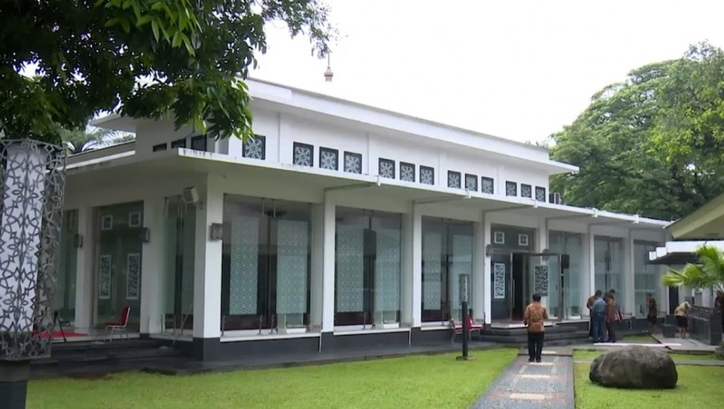 Masjid Baiturrahim Kompleks Istana Kepresidenan