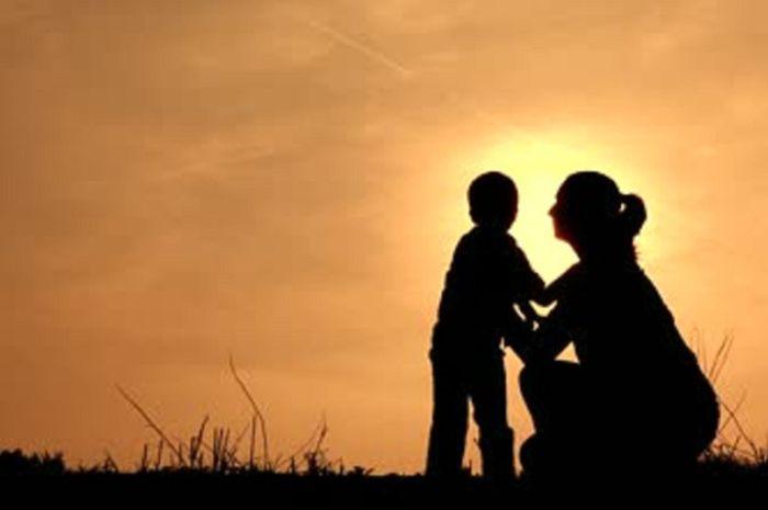 Khutbah Singkat Dan Jelas Tentang Air Mata Seorang Ibu