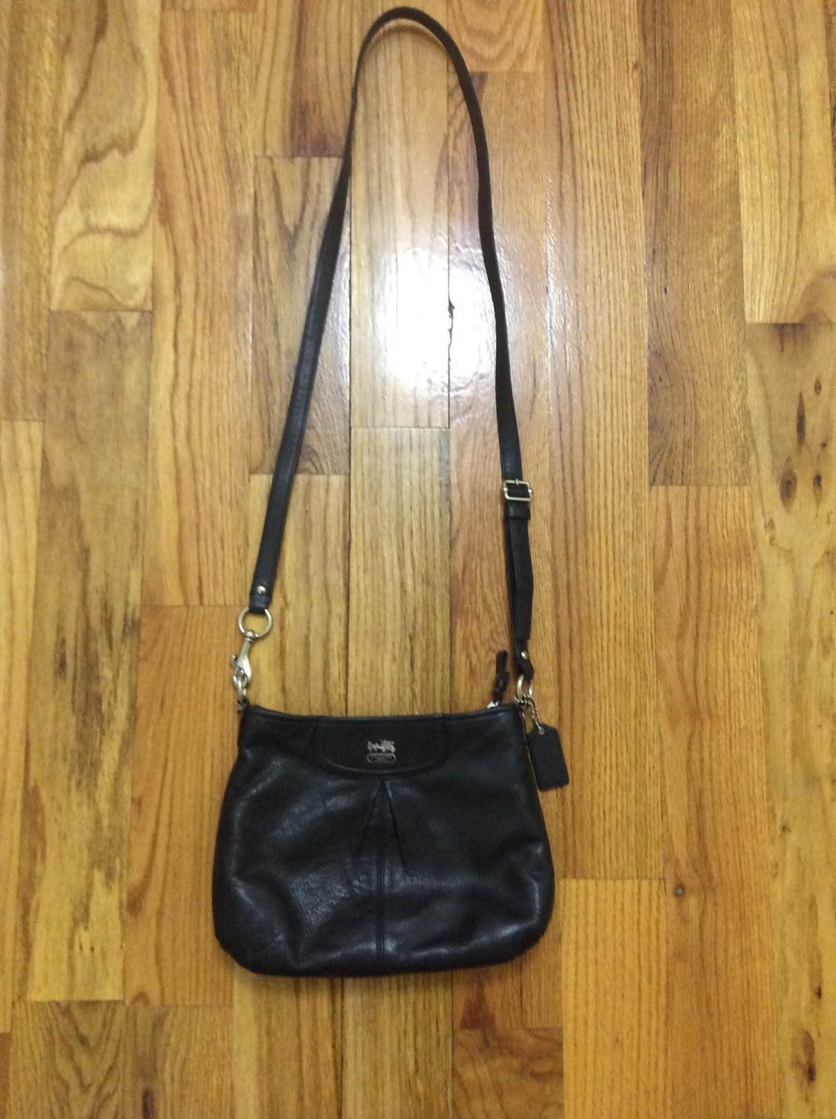 c8d8ff46b546b0 After a lot of research online and on YouTube. I finally decided to invest  in a Gucci Soho Leather Disco Bag. Here in the U.S., it is $980.