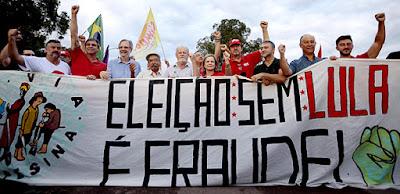 Faixa em manifestção, onde se lê que eleição sem Lula é fraude