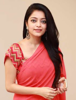 Janani Iyer Actress Family Husband Parents children's Marriage Photos