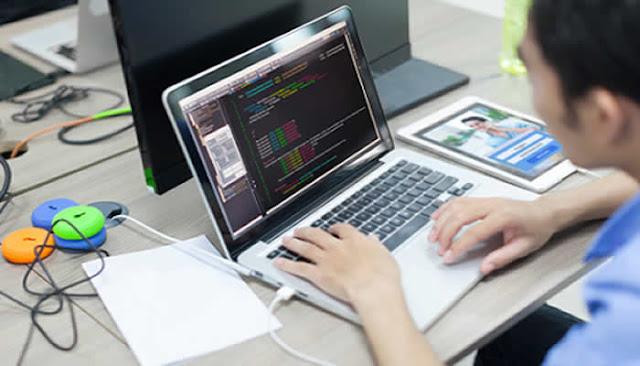 Com salário de US$ 8 mil, empresa vai contratar 50 engenheiros de software brasileiros.