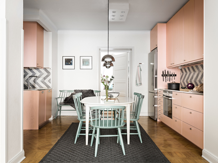 #pinkandgreen color combo in kitchen- design addict mom