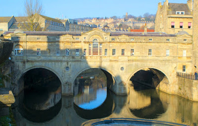 Pulteney Bridge, Bath © A Knowles 2012