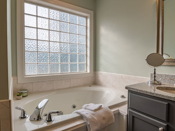 Improve Your Bathroom For Spa Like Surroundings!
