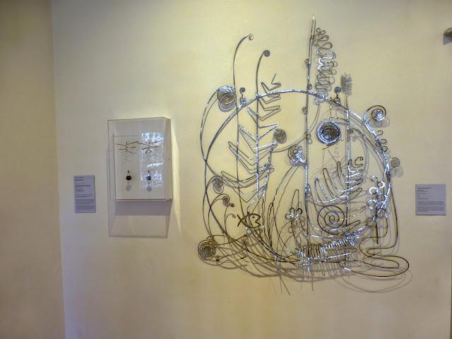 "A. Calder  ""Silver bed head"""
