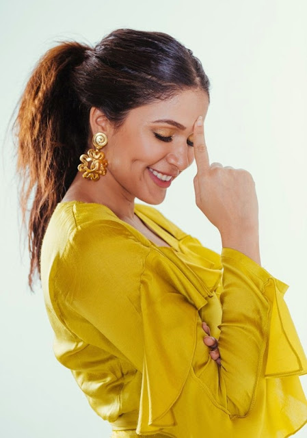 Tollywood Actress Lavanya Tripathi Photos In Yellow Dress Navel Queens