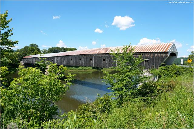 Lateral del Cornish-Windsor Covered Bridge en New Hampshire
