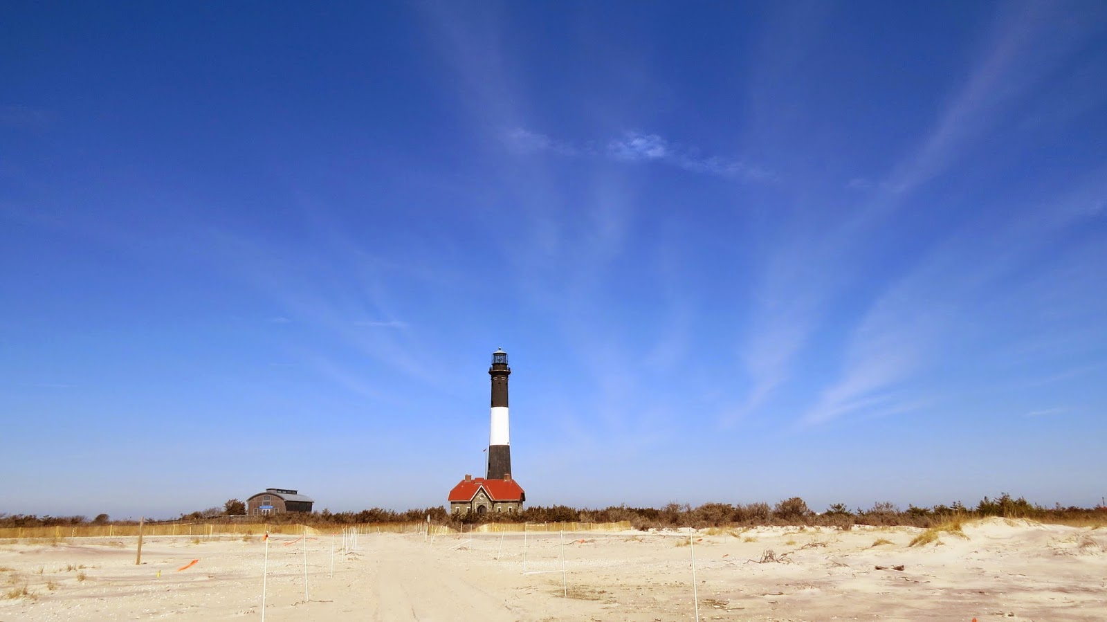 Springtime-at-Robert-Moses-Lighthouse-in-Fire-Island