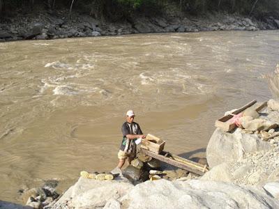 Mineria en el Rio Cauca