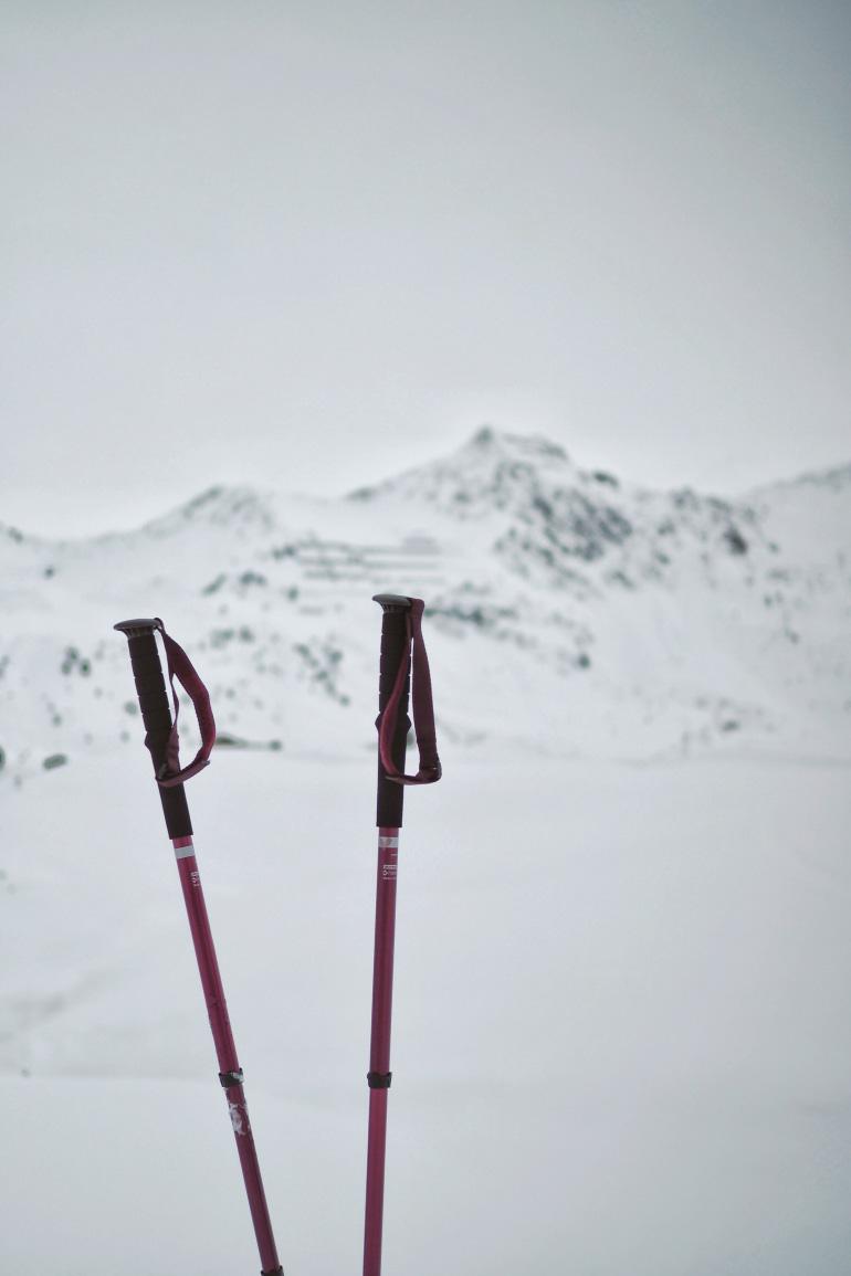 Randonnée en raquettes dans la station de La Plage en hiver