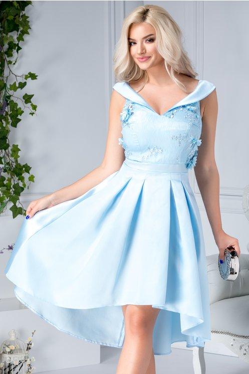 Rochie cu trena de ocazii bleu cu broderie 3D si decolteu tip barcuta