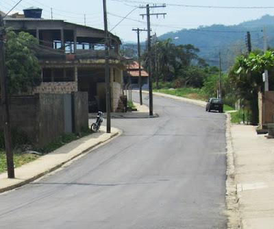 Morro da Sudelpa recebe pavimentação asfáltica em Miracatu