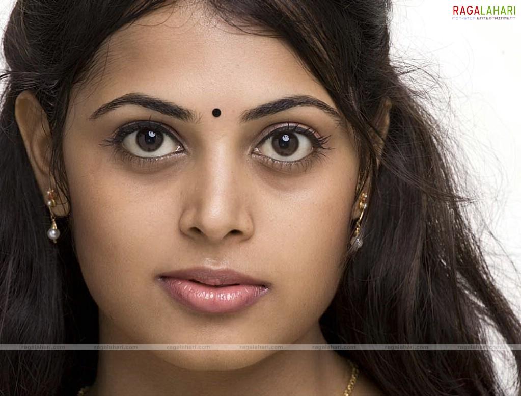 Charmi Kaur Cute Wallpapers Sindhu Menon Wallpapers Tollywood Actress Wallpapers
