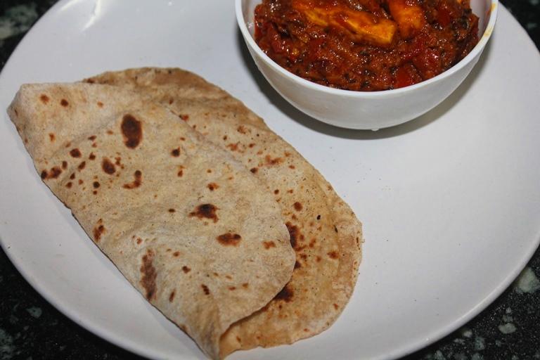 Oats Chapati Recipe - Oats Roti Recipe - Yummy Tummy