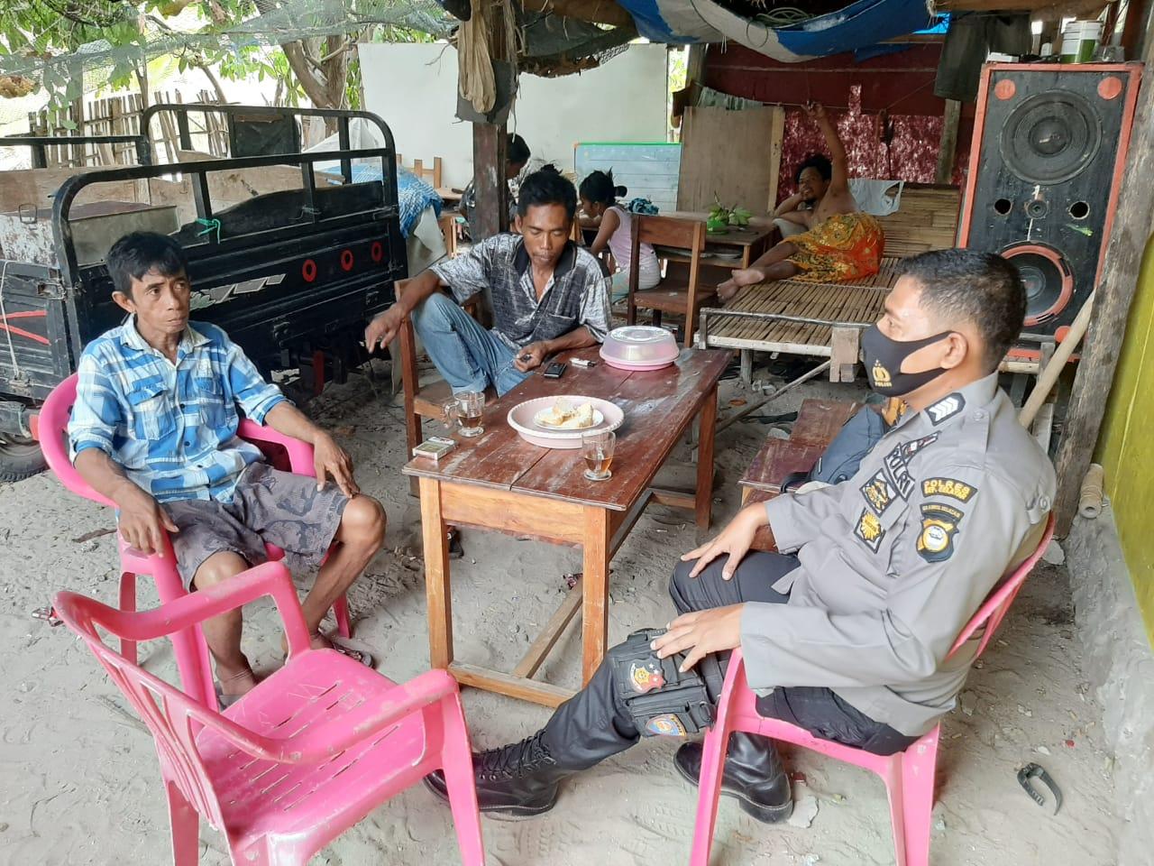 Bhabinkamtibmas Desa Nyiur Indah Ajak Masyarakat Sukseskan Pilkada Selayar