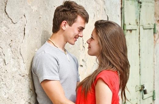 Khi người yêu bạn lại là bạn thân bạn