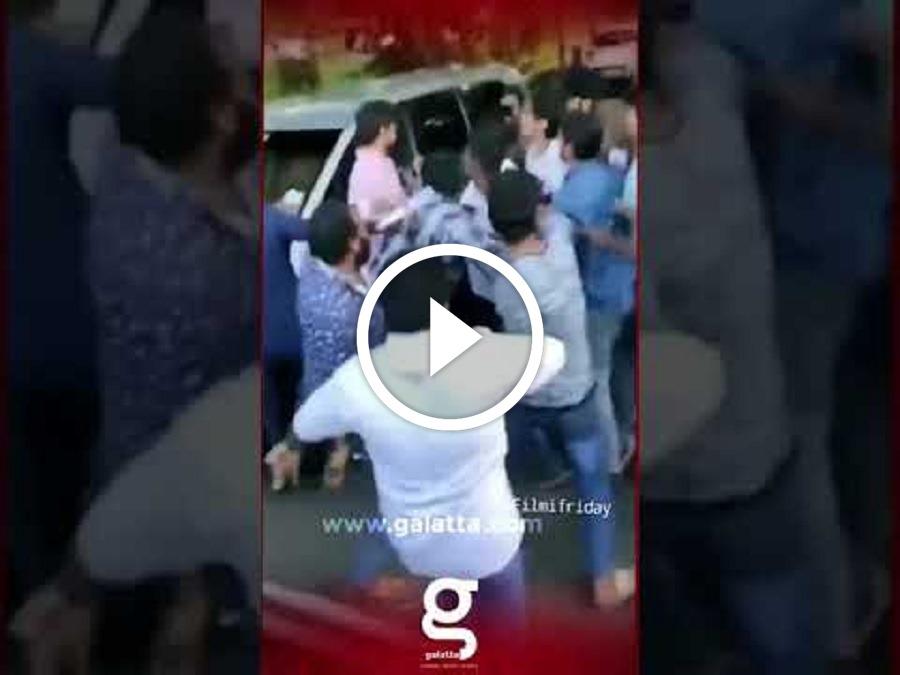 Breaking: ரசிகர்கள் கூட்டத்தில் மாட்டிக் கொண்ட Thalapathy Vijay!