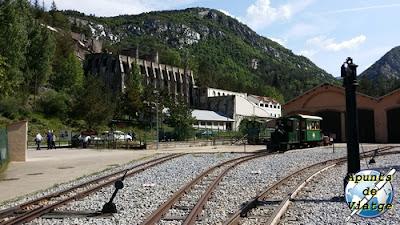 Estación Asland del Tren del Ciment