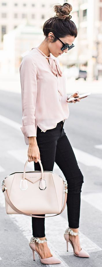 casual style outfit: blouse + bag + skinny jeans