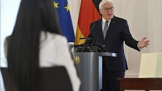 Штайнмайер и новые граждане Германии