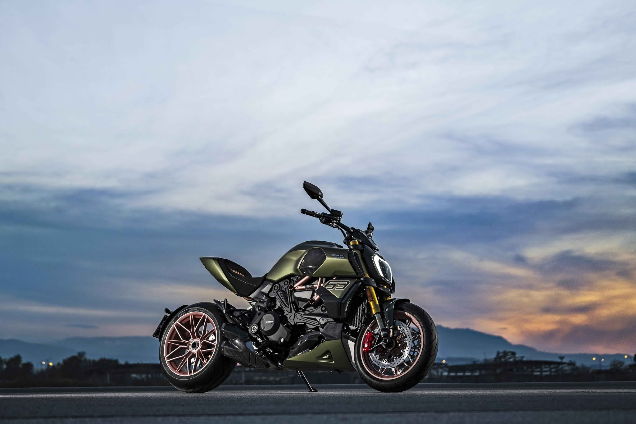 Ducati%2BDiavel%2B1260%2BLamborghini_8