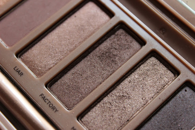 twenties make-up: UD Naked3 eyeshadow palette