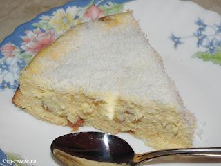 Pasca desert reteta fara aluat de Paști cu branza dulce de vaci smantana oua stafide gris zahar lamaie rom vanilie cocos retete mancare placinta prajitura de casa Paște,