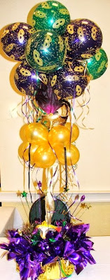Mardi Gras balloon centerpiece with mask