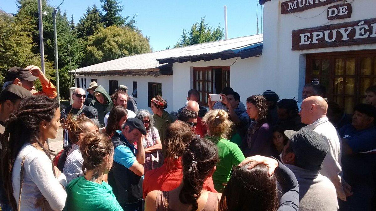 Pánico y desesperación en Epuyén| Los hospitales se encuentran desbordados