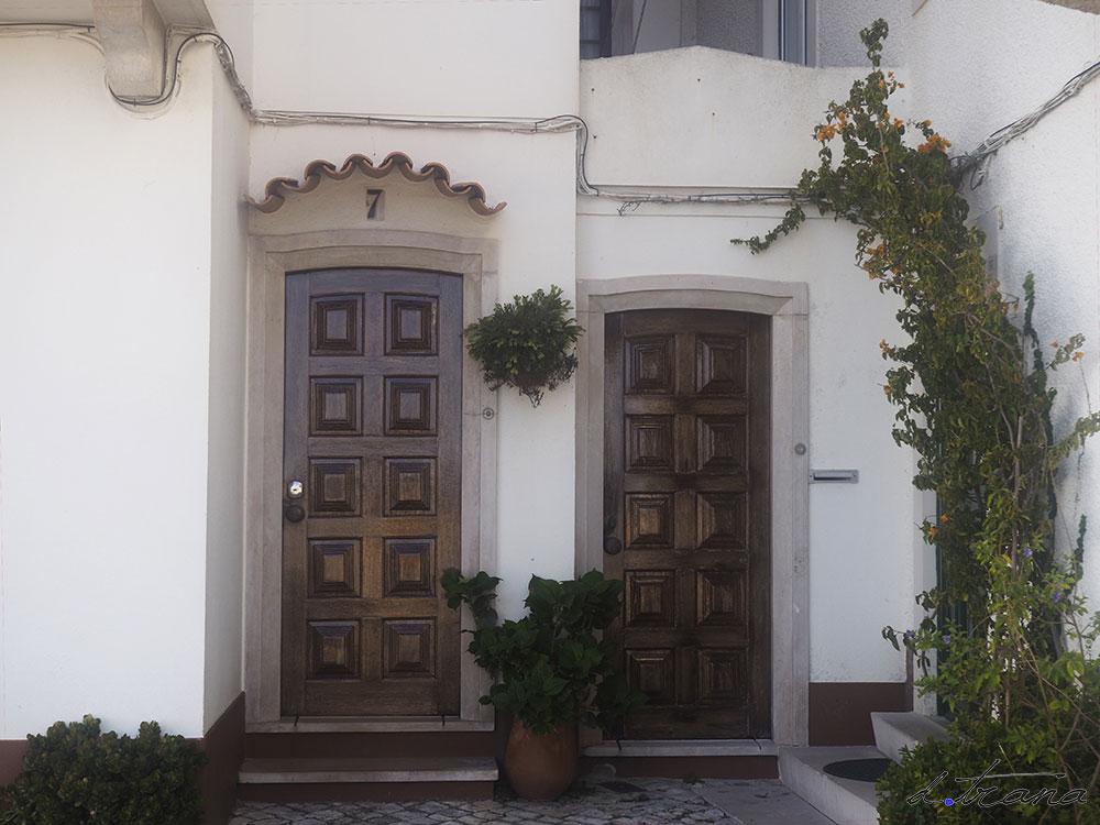 Fachada vivienda en Nazaré Portugal
