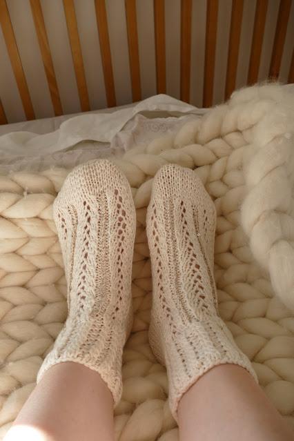 Lacecashmeredesign Review, Lacecashmeredesign Review  etsy, best cashmere socks uk, best cashmere socks, best bed socks, cashmere sock brands, best winter socks for women, pure cashmere socks