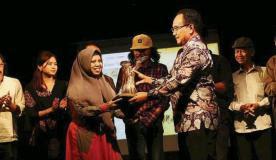 Wawancara dengan Muna Masyari, Penulis Muda Madura